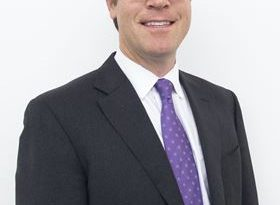 Armstrong appoints new CEO